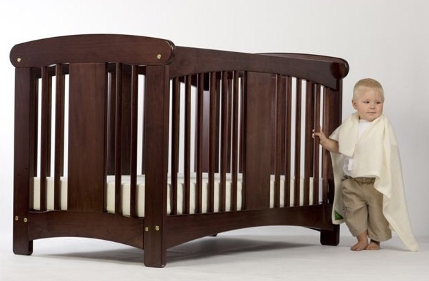 kiwi-cot-espresso-crib-with-baby-high-res